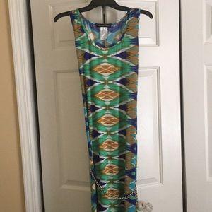 aDressing woman maxi sundress